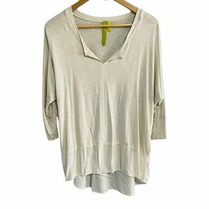 Price Firm EUC Green Dragon High Low Knit Contrast Top Soft